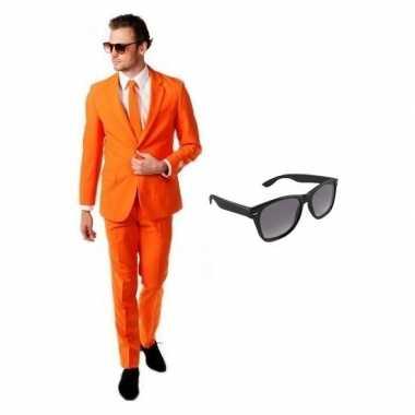 Oranje heren verkleedkleding maat 52 (xl) met gratis zonnebril