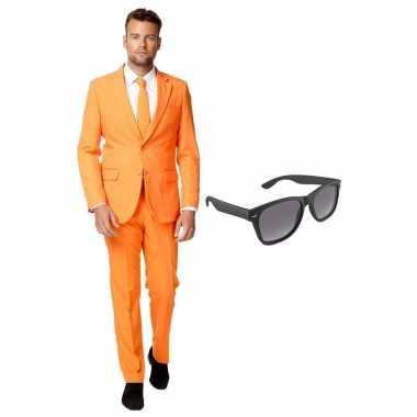 Oranje heren verkleedkleding maat 54 (xxl) met gratis zonnebril