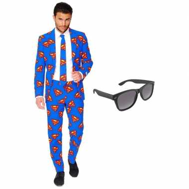Superman heren verkleedkleding maat 58 xxxxl met gratis zonnebril
